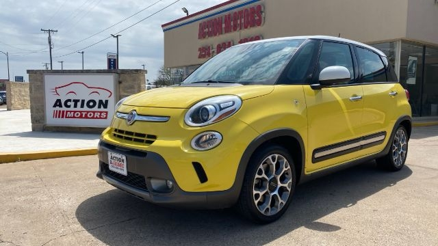 Fiat 500L 2017 price Call for Pricing.