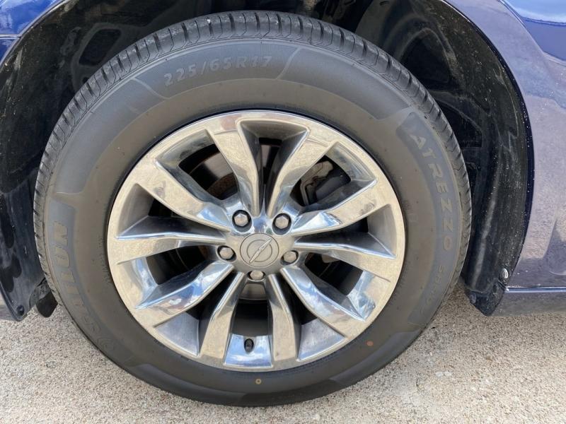 Chrysler 300 2015 price $17,488