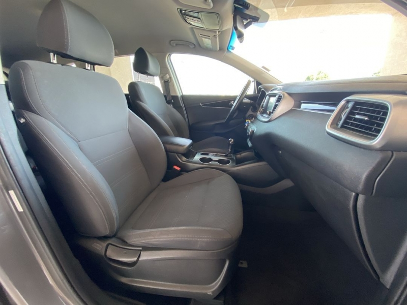 Kia Sorento 2018 price $23,988