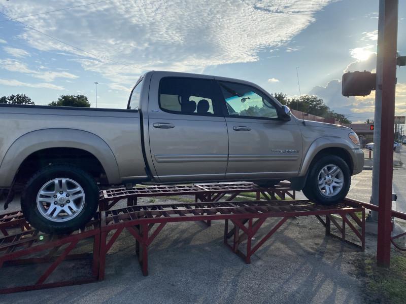 Toyota Tundra 2006 price $8,600