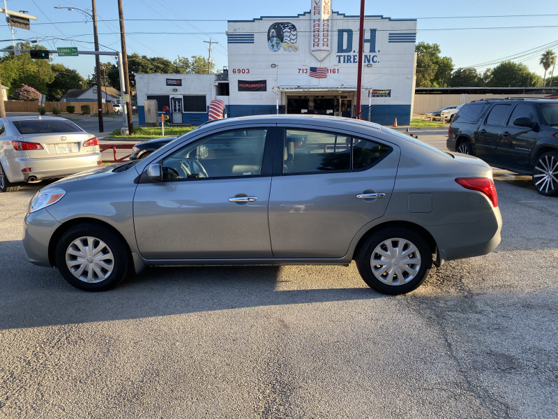 Nissan Versa 2012 price $7,500