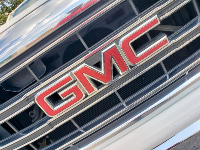 GMC Sierra 1500 2015 price $13,900