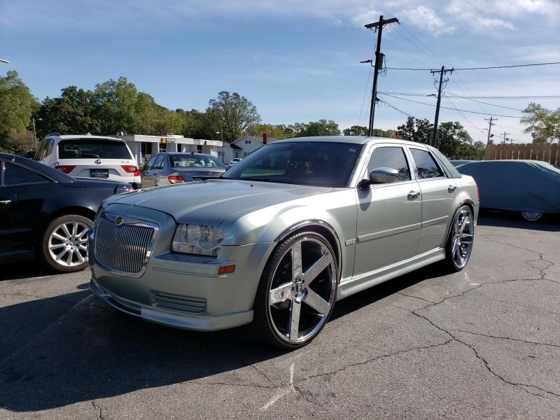Chrysler 300 2005 price $17,500