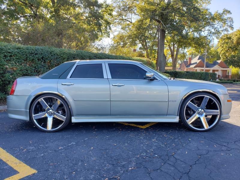 Chrysler 300 2005 price $19,700