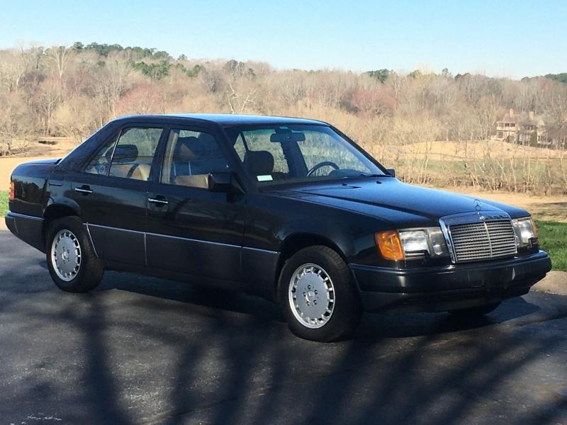 Mercedes-Benz 300 Series 1992 price $7,900