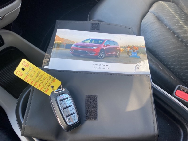 CHRYSLER PACIFICA 2018 price $27,490