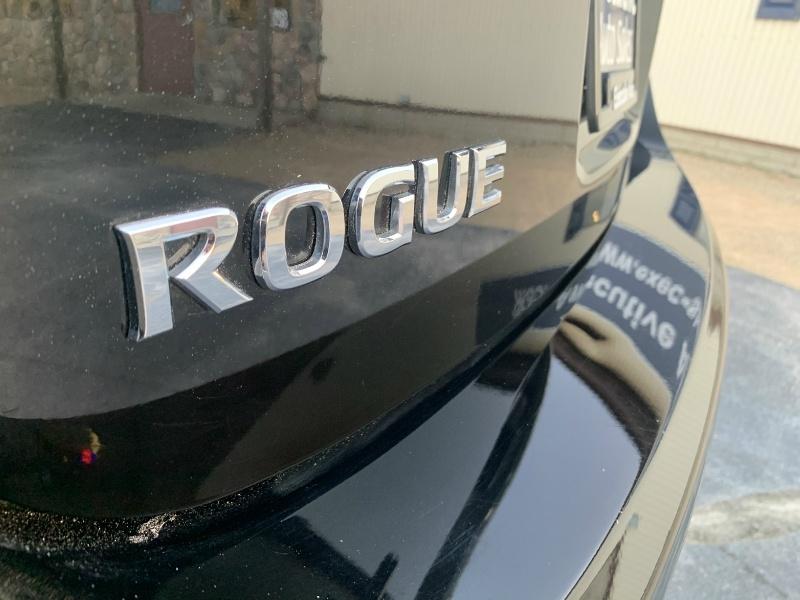 Nissan Rogue 2013 price $9,990