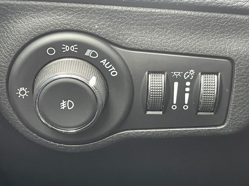 Jeep Compass 2017 price $18,990