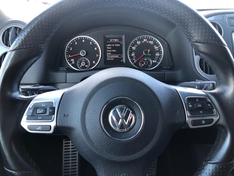 Volkswagen Tiguan 2016 price $17,990