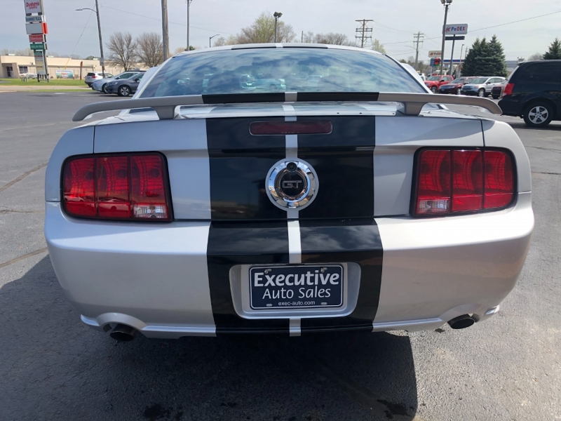 Ford Mustang 2006 price $19,990