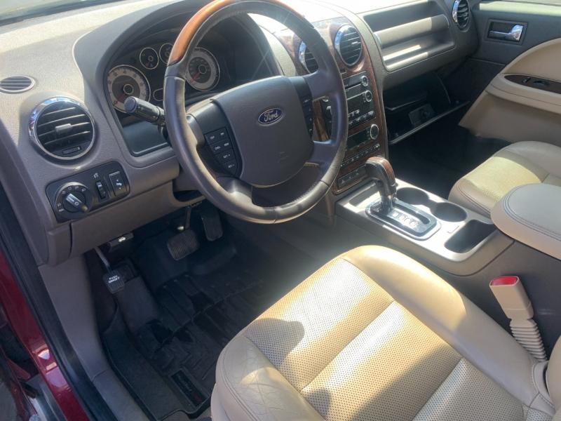Ford Taurus X 2008 price $5,990