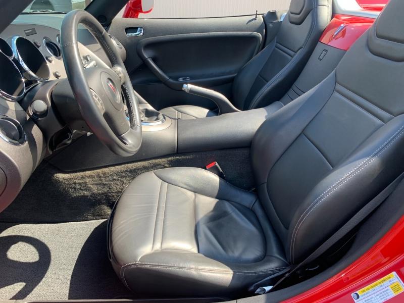 Pontiac Solstice 2006 price $14,990