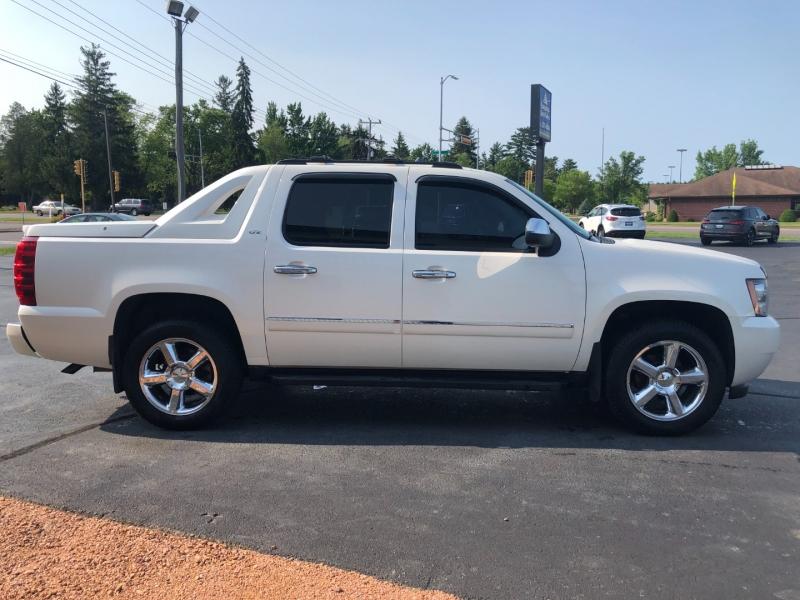 Chevrolet Avalanche 2012 price $20,990