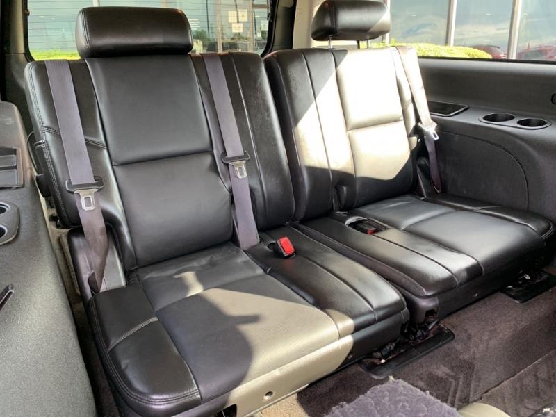 GMC YUKON XL 2011 price $14,900