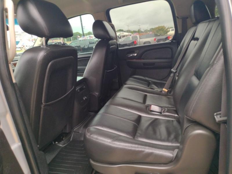 CHEVROLET SUBURBAN 2012 price $17,900