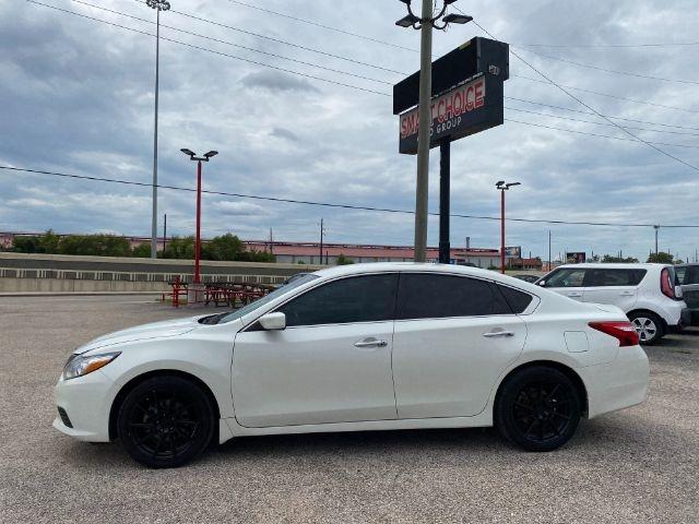 Nissan Altima 2017 price $4,000