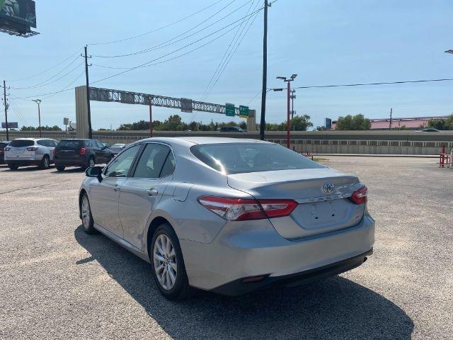 Toyota Camry 2018 price $2,800