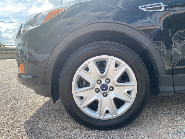 Ford Escape 2015 price $3,000