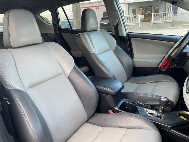 Toyota RAV4 2014 price $3,000
