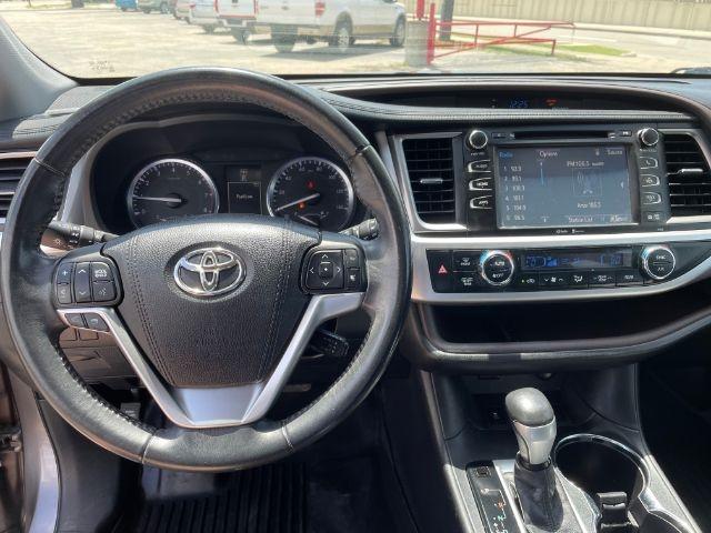 Toyota Highlander 2015 price $6,500
