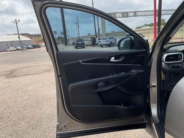 Kia Sorento 2016 price $4,000