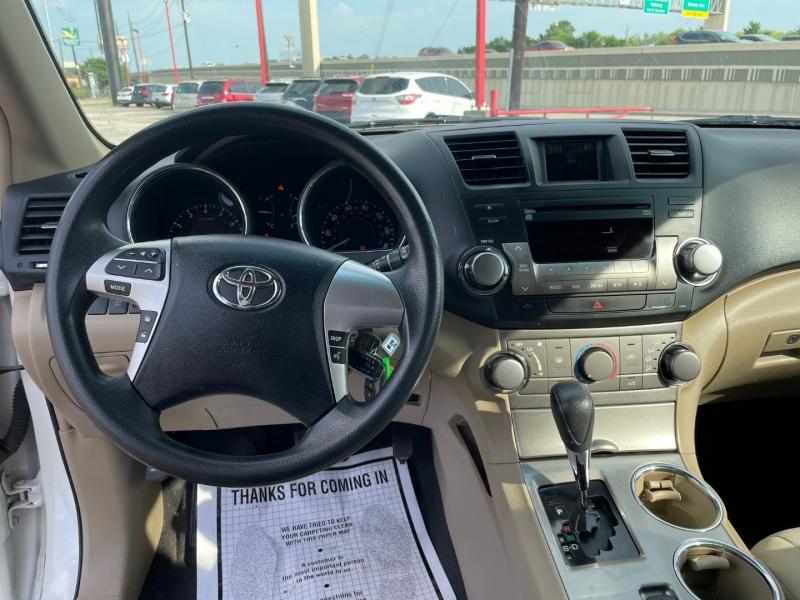 Toyota Highlander 2012 price $1,590 Down