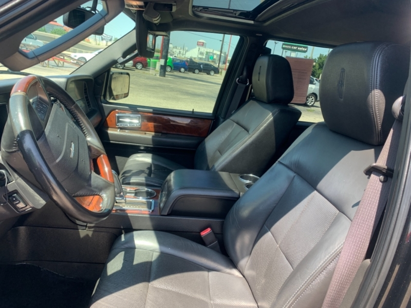 Lincoln Navigator 2011 price $1,590 Down