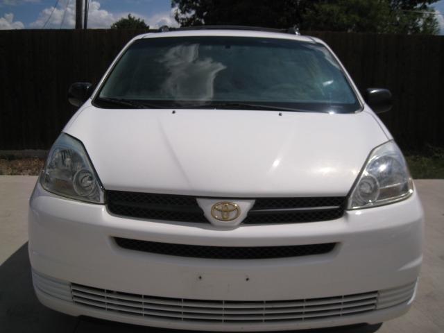 Toyota Sienna 2005 price $4,295 Cash