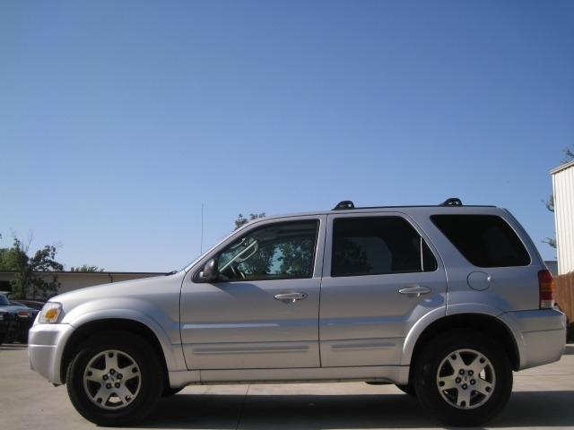 Ford Escape 2005 price $4,995 Cash