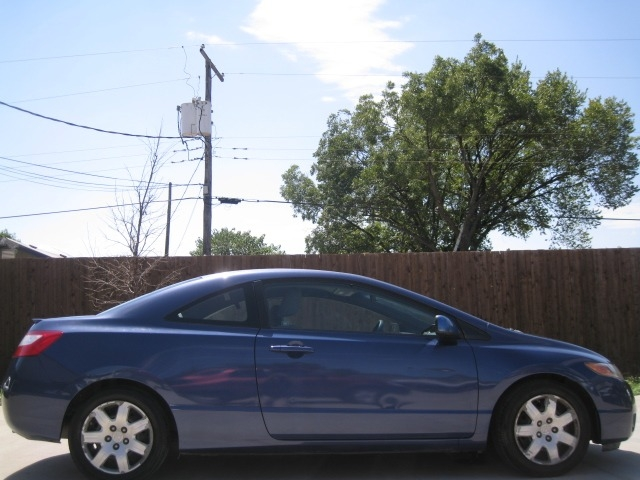 Honda Civic Cpe 2008 price $5,995 Cash