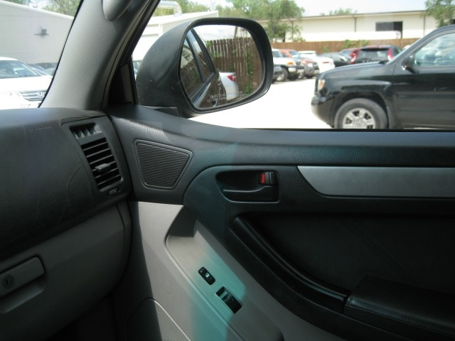Toyota 4Runner 2003 price $7,995 Cash