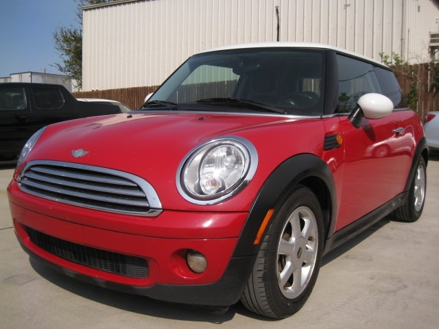 Mini Cooper Hardtop 2009 price $3,995 Cash