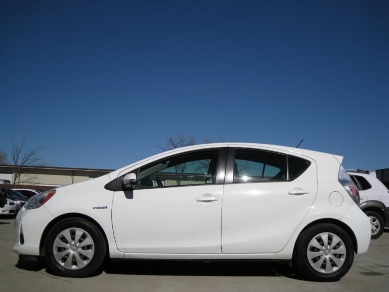 Toyota Prius c 2013 price $6,695 Cash