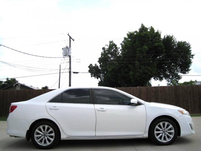 Toyota Camry 2012 price $8,995 Cash