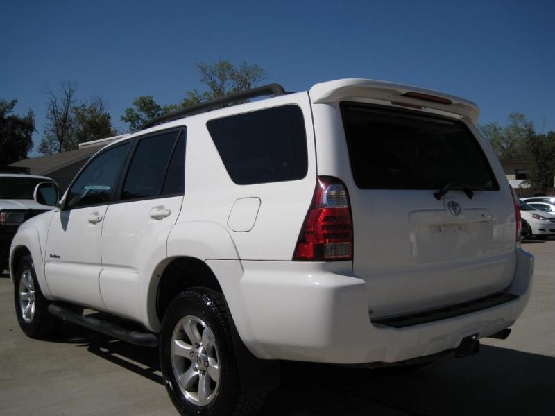 Toyota 4Runner 2006 price $8,995 Cash