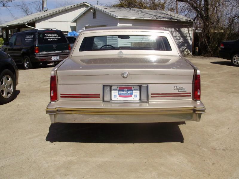 Cadillac Deville 1988 price $1,500