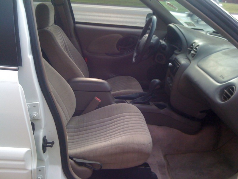 Pontiac Grand Am 1997 price $2,300