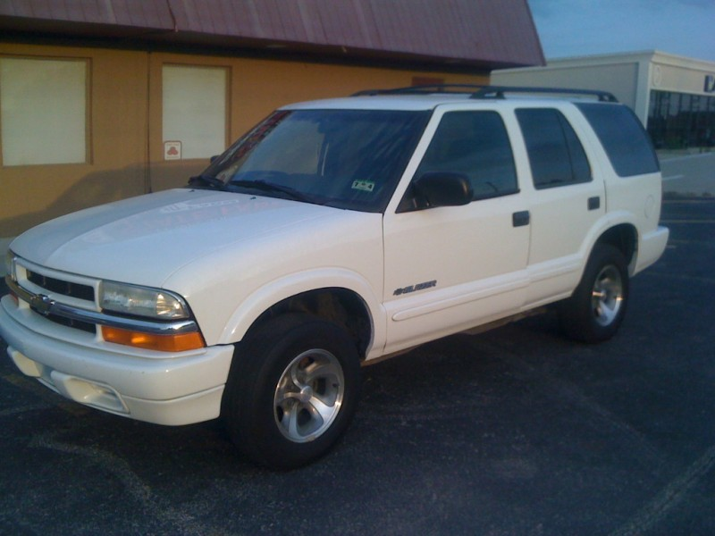 Chevrolet Blazer 2003 price $2,250