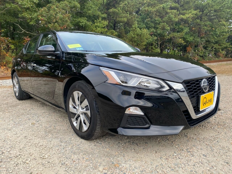 Nissan Altima 2019 price $17,995