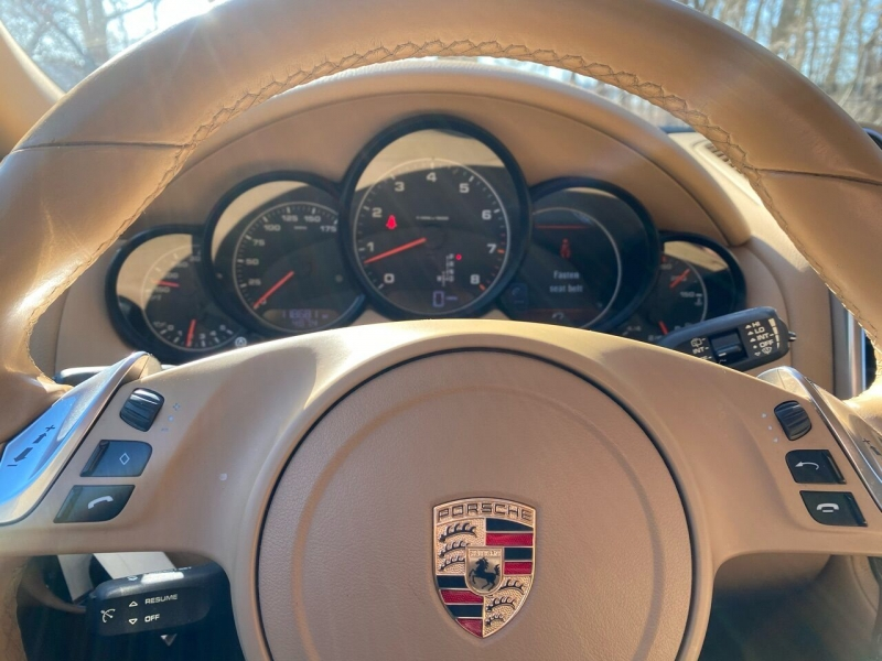 Porsche Cayenne 2014 price $21,995