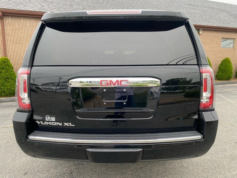 GMC Yukon XL 2015 price $33,995