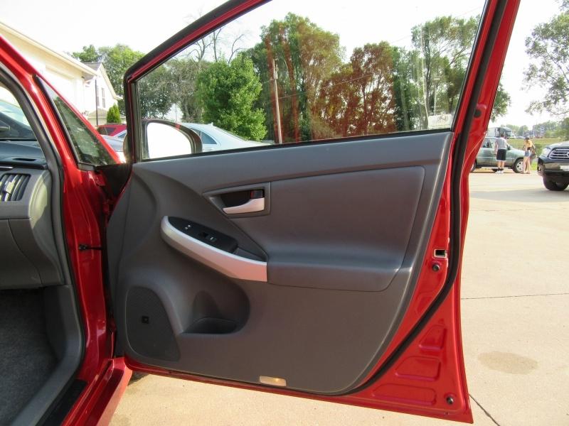 Toyota Prius 2010 price $6,595