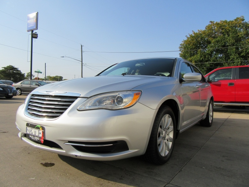Chrysler 200 2011 price $0