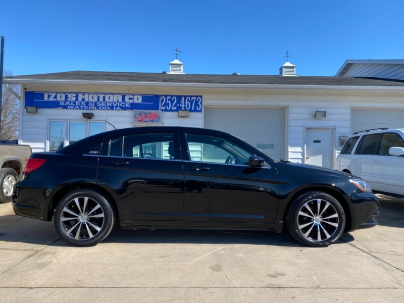 Chrysler 200 2013 price $5,995