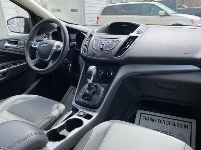 Ford Escape 2015 price $9,595