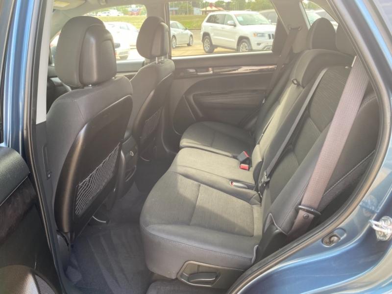 Kia Sorento 2014 price $10,595