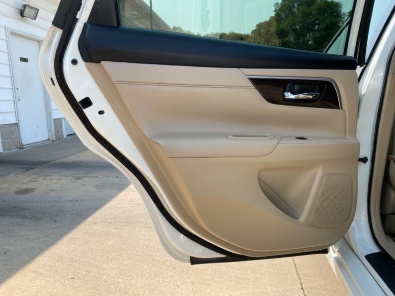 Nissan Altima 2013 price $7,995