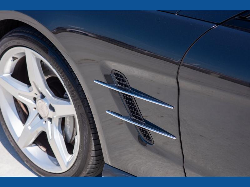 Mercedes-Benz SL-Class 2013 price $45,975