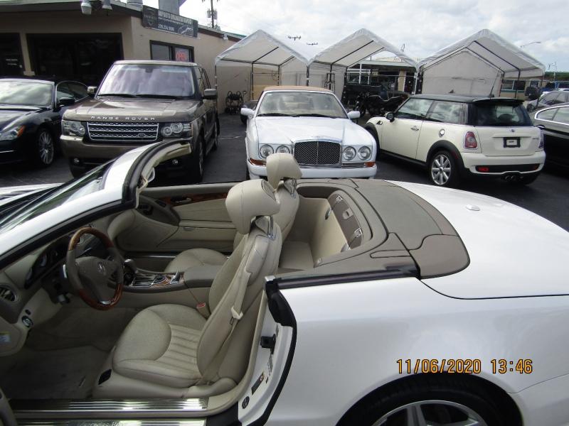 Mercedes-Benz SL-Class 2009 price $26,995