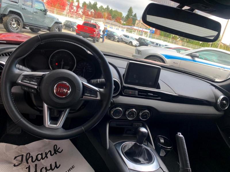 Fiat Spider 124 2018 price $25,888